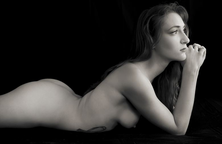 longing artistic nude photo by model gabriella marsie