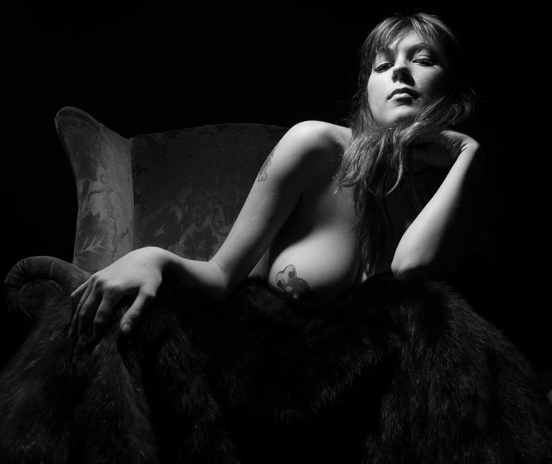 look down artistic nude photo by photographer argun tekant