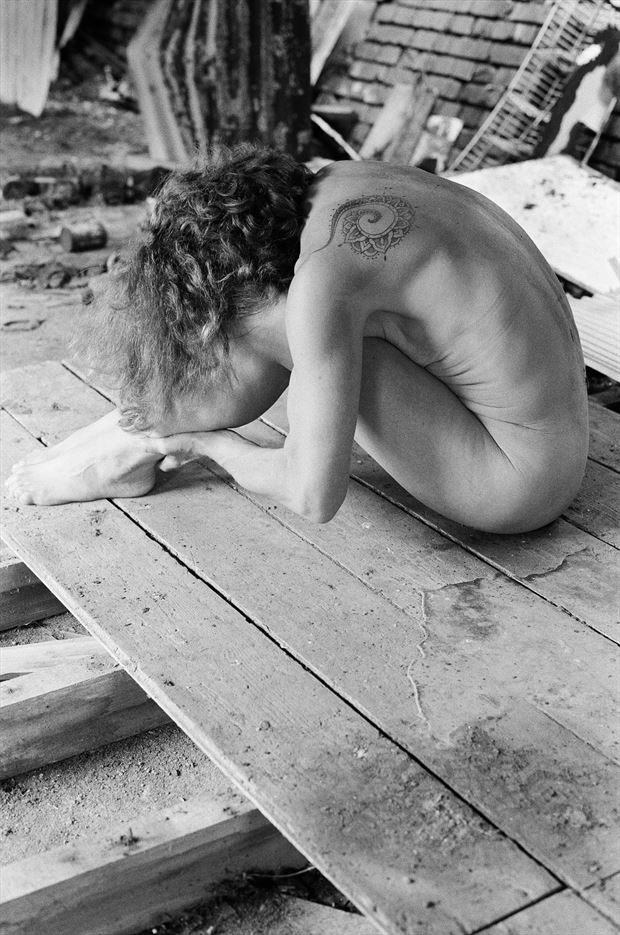 lost artistic nude photo by model annie gh