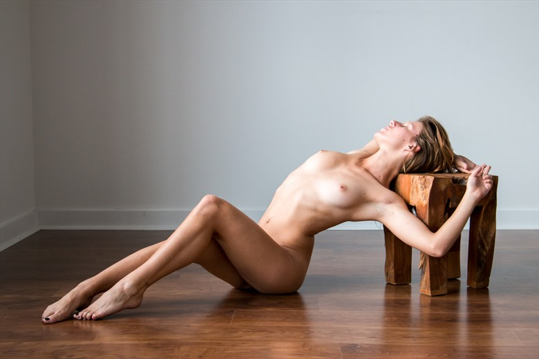 lougne Artistic Nude Photo by Model VexV oir