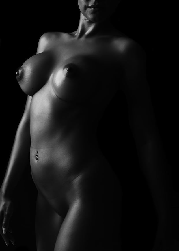low key bodyscape artistic nude photo by photographer true curves studio