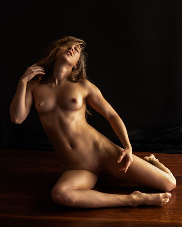 lucy artistic nude photo by photographer ray fritz