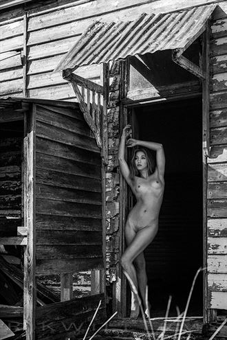 lucy artmodel artistic nude photo by photographer rik williams