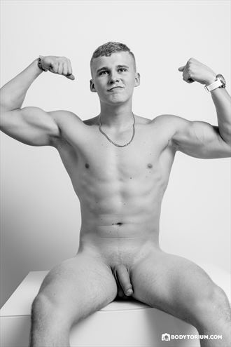 lukas flexing artistic nude photo by photographer phil dlab