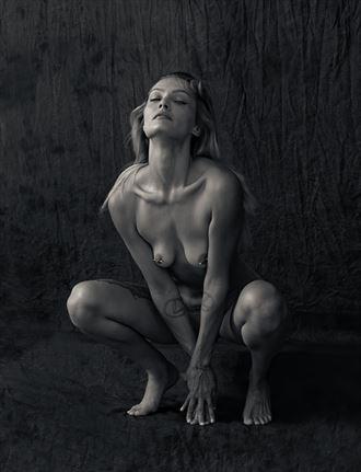 luna 7 erotic photo by photographer thatzkatz