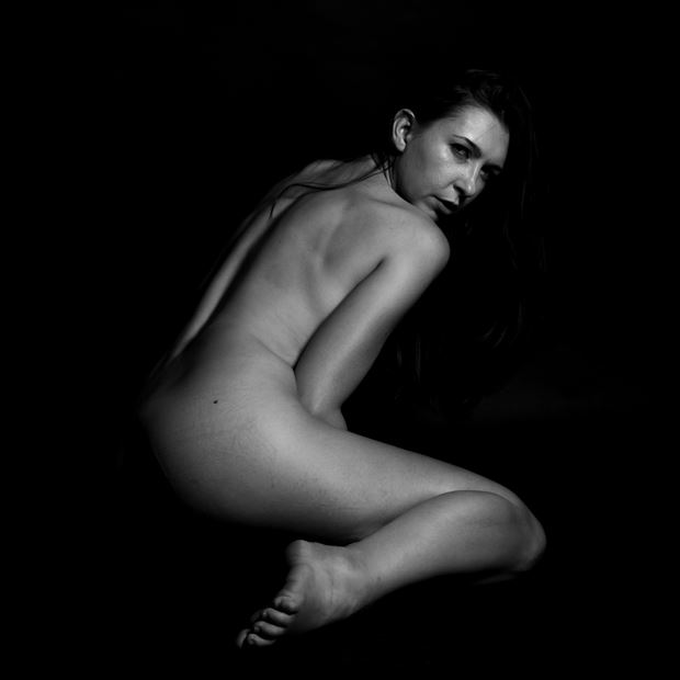 m in the darkest light artistic nude photo by photographer thomas branch