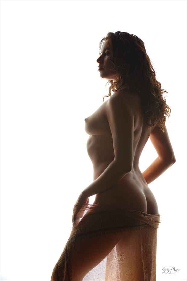 maiden grace artistic nude photo by model reece de la tierra