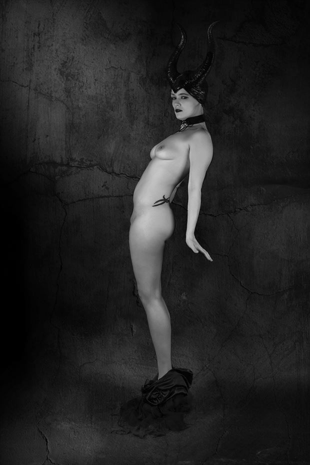malicant 7 artistic nude photo by artist hybryds