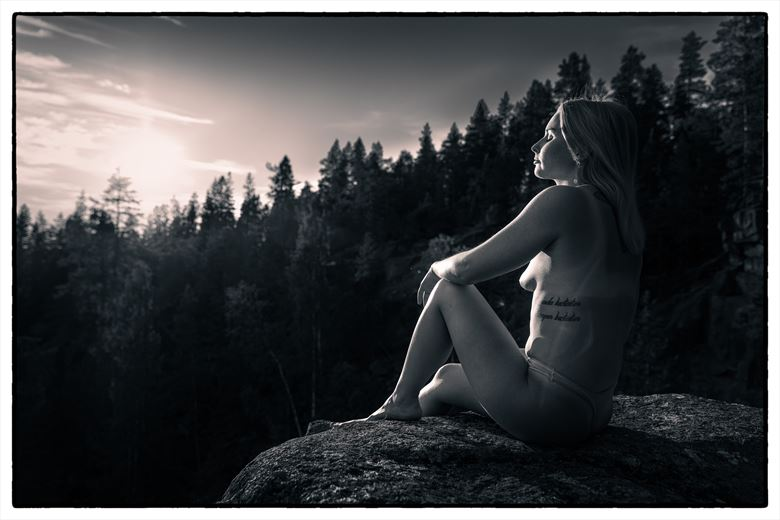 malin artistic nude photo by photographer andreas fernandez