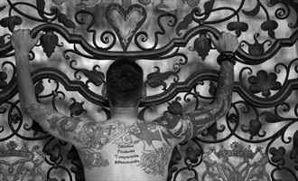 man and tattoo artistic nude artwork by photographer lene damtoft