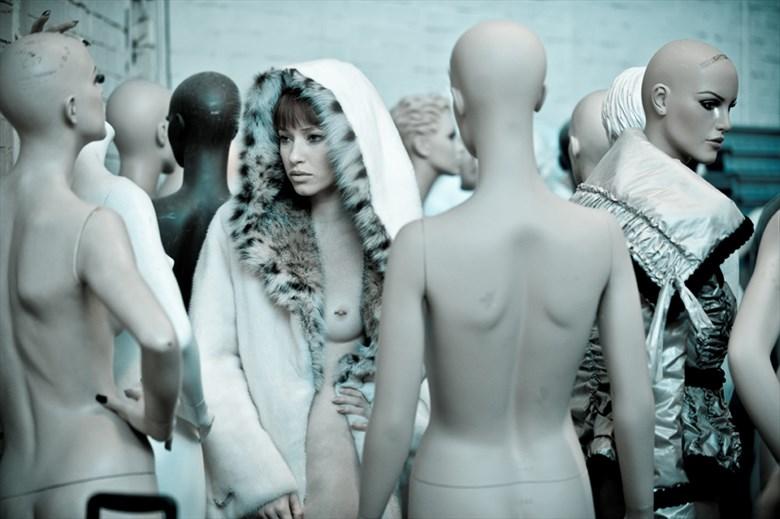 mannequine %233 Erotic Photo by Photographer Gary Latham