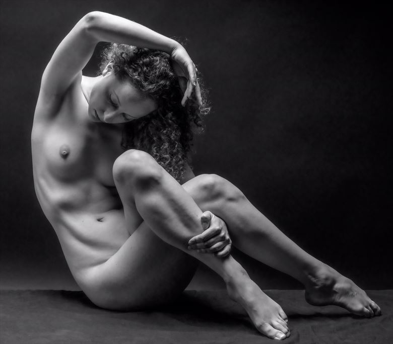 mauvais and single light artistic nude photo by photographer gpstack