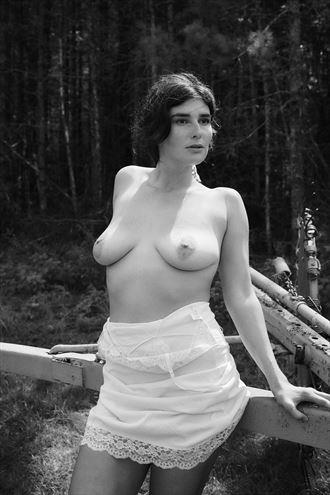 maya artistic nude photo by photographer daniel tirrell photo