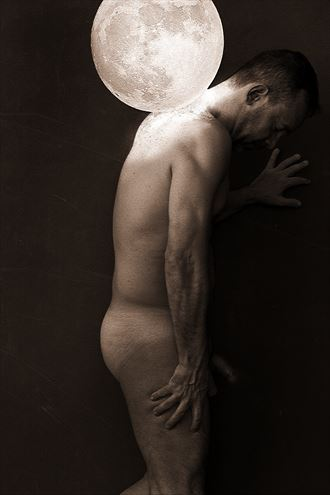 mi luna selfportrait artistic nude photo by photographer gustavo combariza