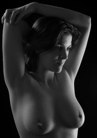michaela chiaroscuro photo by photographer uhphoto
