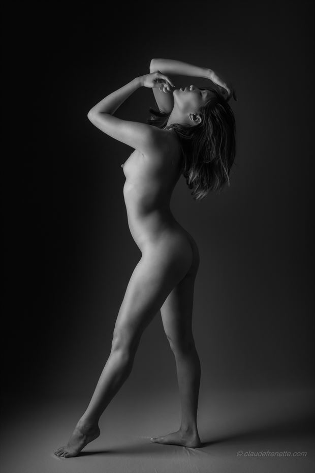minh ly artistic nude photo by photographer claude frenette
