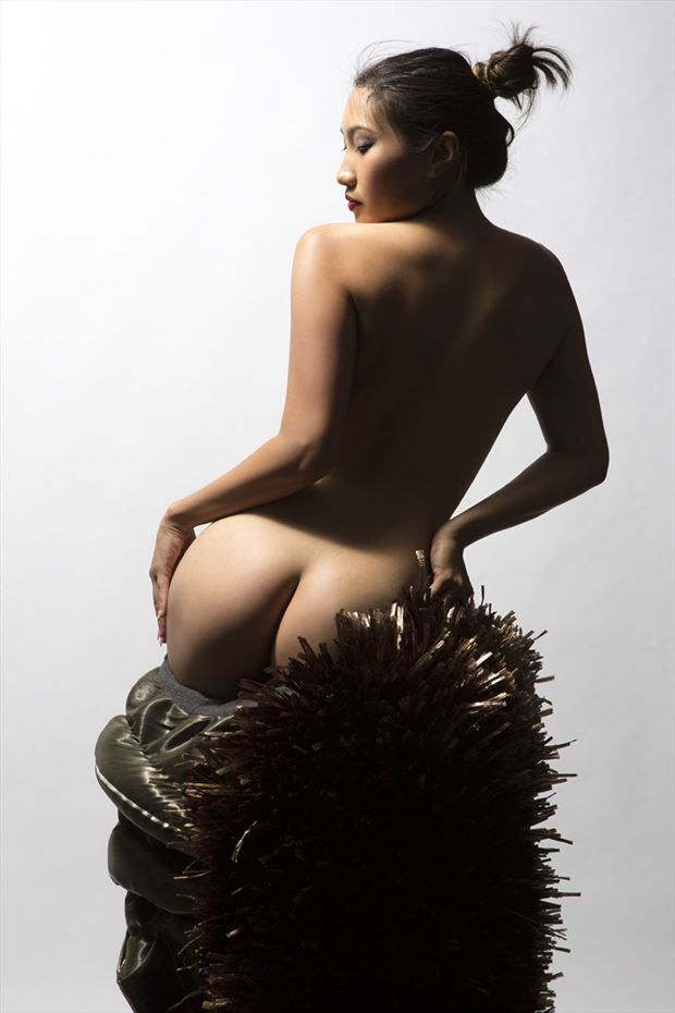 minh ly artistic nude photo by photographer george ekers
