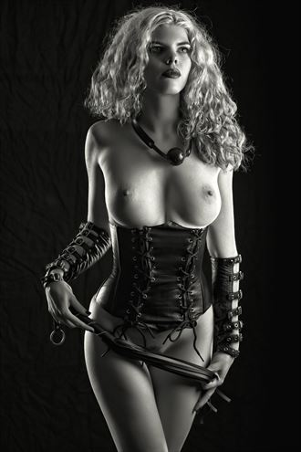 mistress maggie artistic nude photo by photographer bemymuse