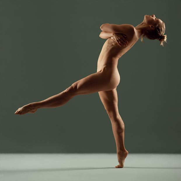 model femke aaldering implied nude photo by photographer nederdans