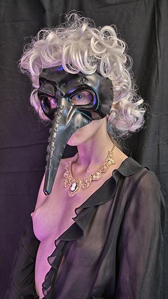 model roxane perez glamour photo by artist lionel baillemont