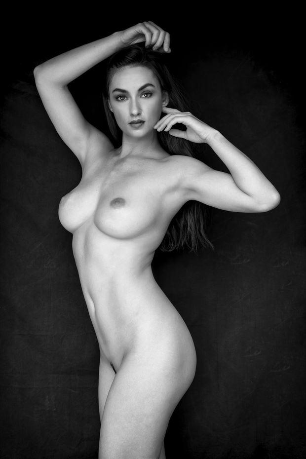 modern venus artistic nude photo by photographer philip turner
