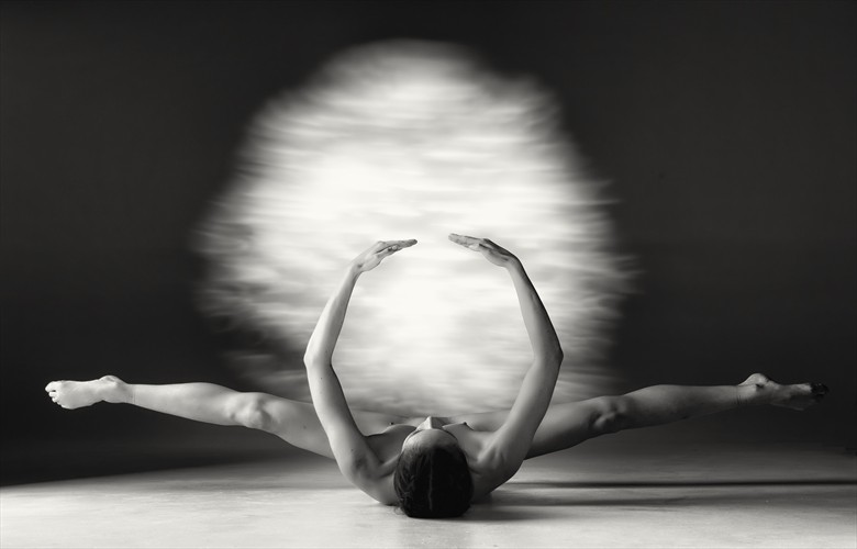 moon dance 2 Artistic Nude Photo by Photographer BenErnst