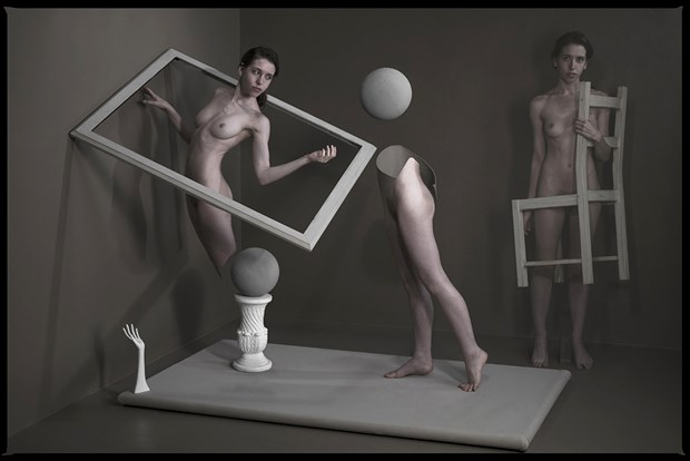 moving forward Artistic Nude Photo by Photographer Thomas Sauerwein