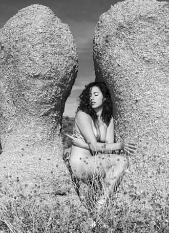 mujer tierra artistic nude artwork by photographer juanlozaphotography