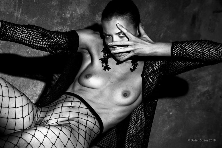 mysterious secret artistic nude photo by photographer du%C5%A1an %C5%A1traus
