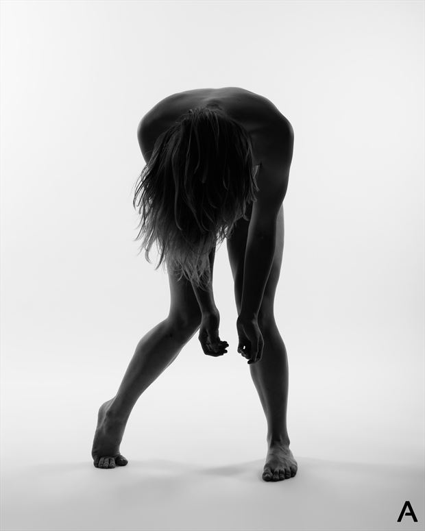 mystery artistic nude photo by photographer apetura