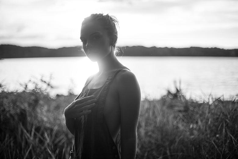 natural light expressive portrait photo by photographer mr_critterfur