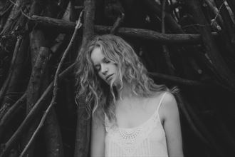 natural light expressive portrait photo by photographer tanya mcgeever