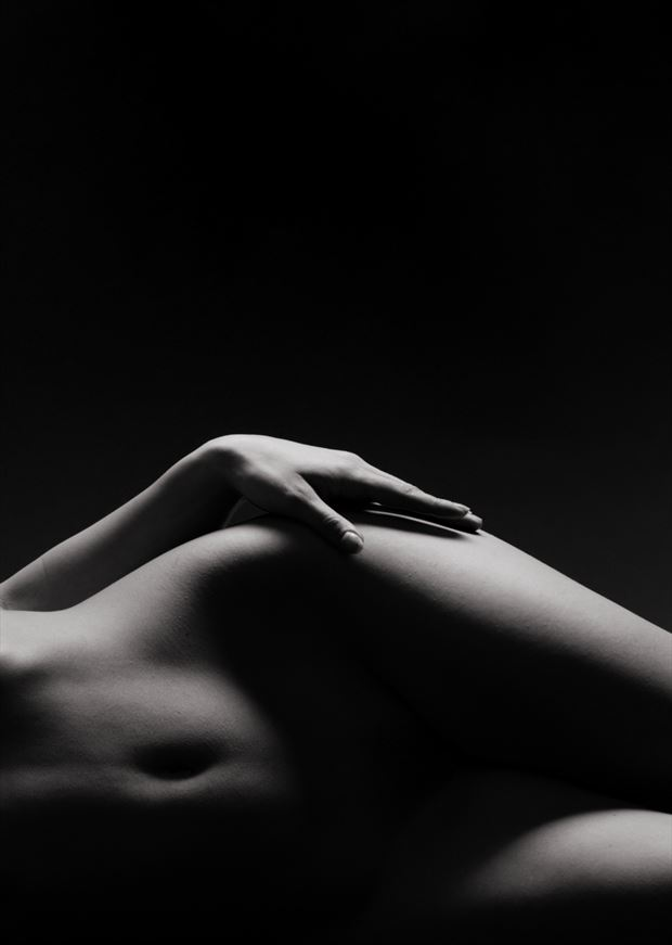navel artistic nude photo by artist finegan