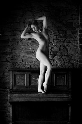 nicole rayner artistic nude photo by photographer richard benn
