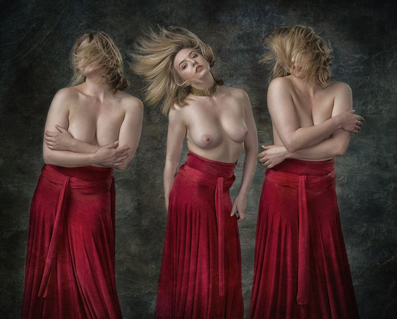 nicole rayner artistic nude photo by photographer tom gore