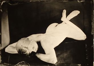 nude artistic nude photo by photographer trond kjetil holst