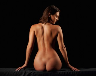 nude back study artistic nude photo by photographer vincent isner
