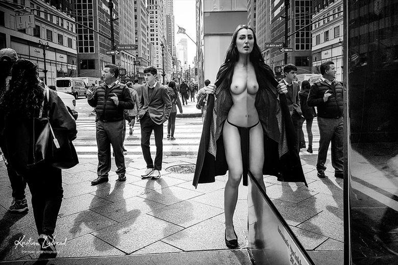 nude in public new york artistic nude photo by photographer kristian liebrand fine nude art photographer