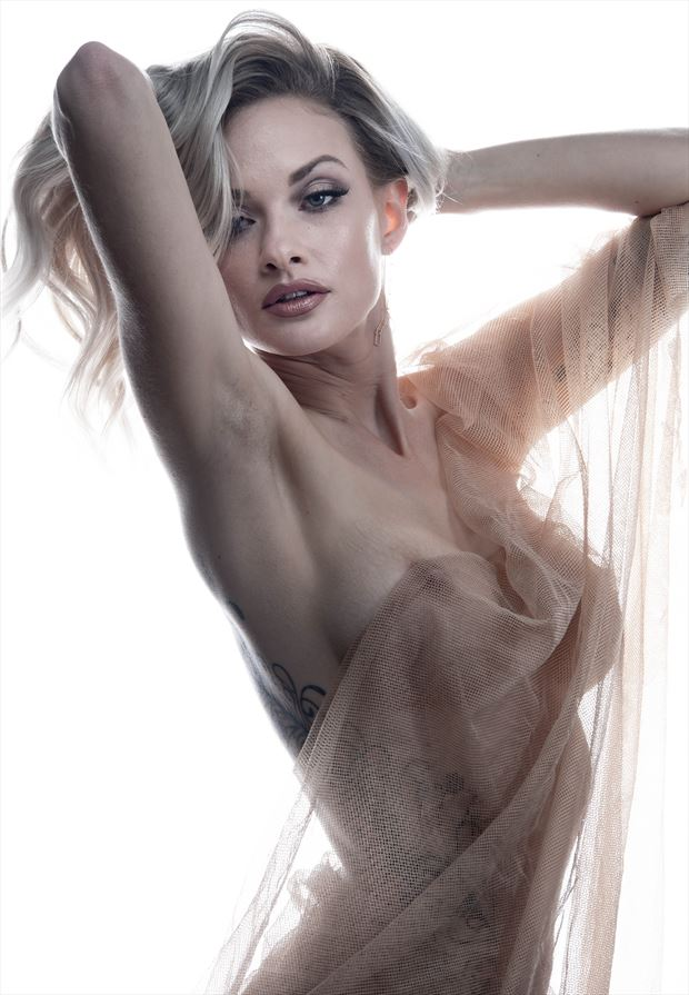 nude work implied nude photo by photographer ronnie louis photograghy