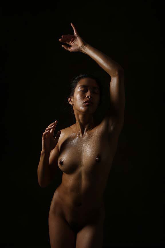 oil on skin artistic nude photo by model ren sakuraba
