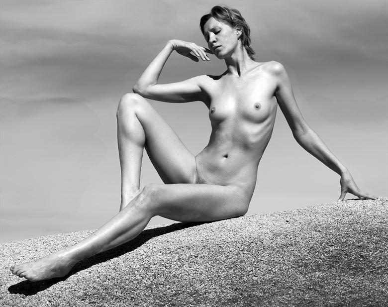 olivia figure study photo by photographer eric lowenberg