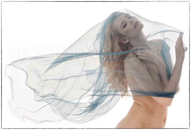 olivia preston glamour photo by photographer phil o donoghue