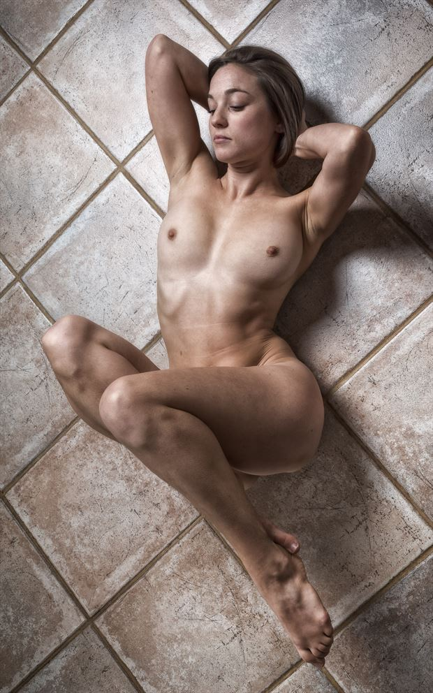 on grid artistic nude photo by photographer rick jolson