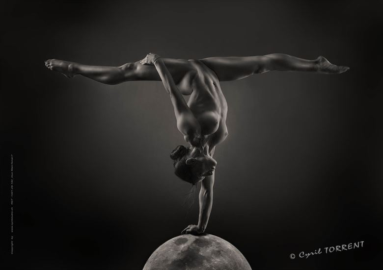 on the moon artistic nude artwork by photographer cyril torrent