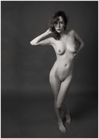 one foot on the floor artistic nude photo by photographer tommy 2 s