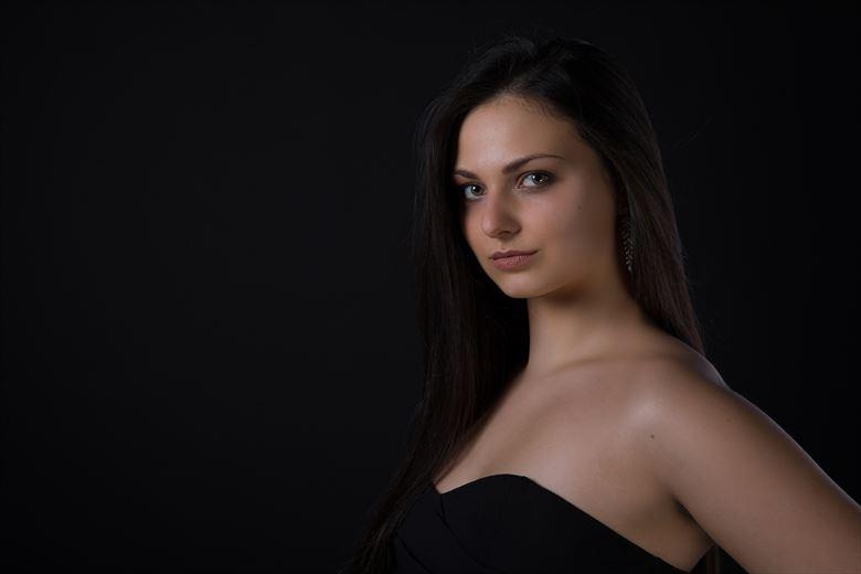 open eyes photography glamour photo by model lisa elias