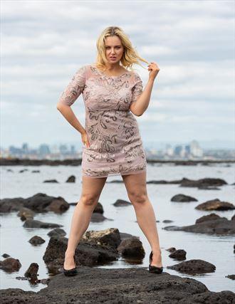orne trendz editorial fashion photo by model kelly_kooper
