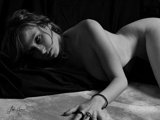 out of the shadow artistic nude photo by photographer luke horne photography