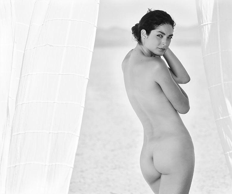 outside implied nude photo by photographer danwarnerphotography