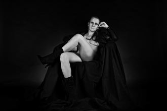 paris housewife 6 artistic nude photo by artist hybryds